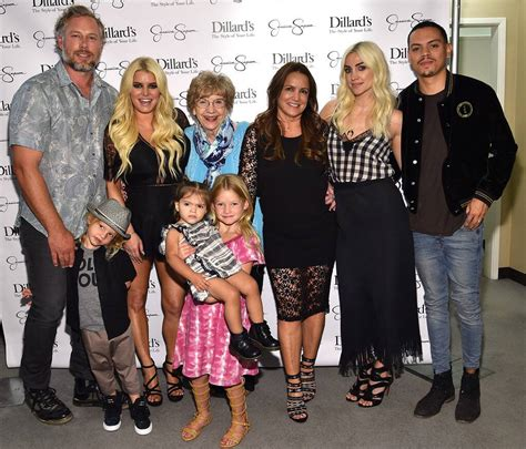 Jessica Simpson And Ashlee Simpson Ross Kids Steal The