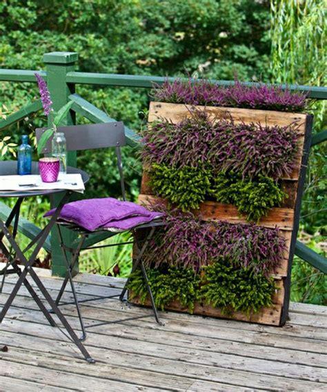 Frische Wanddekoration Mit Pflanzenminimalist Flower Pots In Wall Design By Thelermont Hupton by Originelle Dekoration Aus Holzpalleten