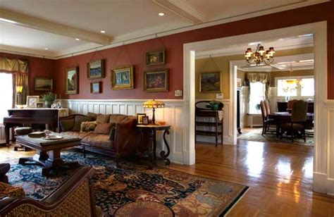 comfort class    colonial revival restoration