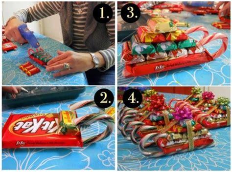 candy cane sleighs diy  christmas beesdiycom