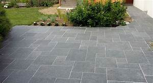 Terrasse en granit noir cupa stone pour une extension durable for Granit terrasse