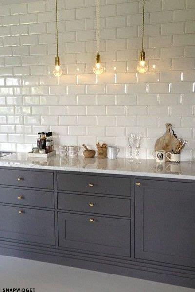 kitchen wall tiles ideas broom lights gris placards et carrelage de m 233 tro blanc 6457