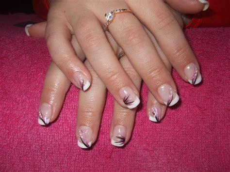 pose sur ongles naturels blanche d 233 co faite de sabrinails60
