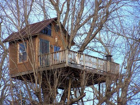 sleep   trees  treehouse vineyards  monroe