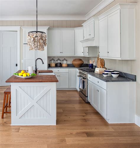 pure white sherwin williams cabinets cottage interior design ideas home bunch interior design 337 | Cabinet paint color is Sherwin Williams Pure White SW 7005. Sherwin Williams Pure White SW 7005 is one of the crispiest whites you can find perfect for kitchen cabinets Sherwin Williams