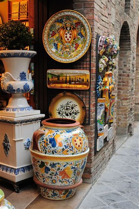 pottery shop in san gimignano tuscany italy pixdaus 22 best images about from florence to san gimignano on pinterest