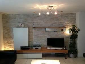 Fernseher Wand Gestalten : die besten 25 steinwand wohnzimmer ideen auf pinterest wohnzimmer in braun salons dekor und ~ Eleganceandgraceweddings.com Haus und Dekorationen