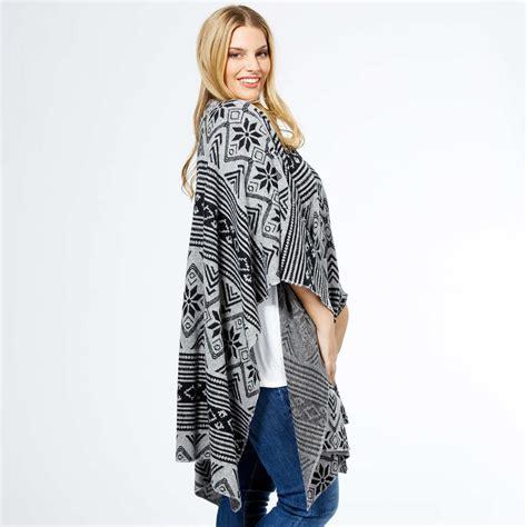 Veste femme neuf dentelle sur les manche. http://www.kiabi.com/cape-imprimee-grande-taille-femme ...