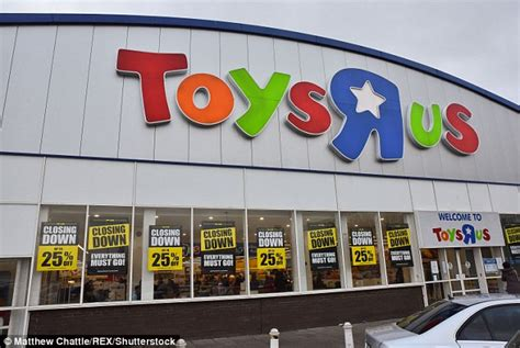 Bankrupt Toys 'r' Us Is Expected To Start Liquidation This