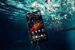 Sony Smartphone Wasserdicht : staub und wasserdicht sony ericsson zr smartphone meintrendyhandy blog ~ A.2002-acura-tl-radio.info Haus und Dekorationen