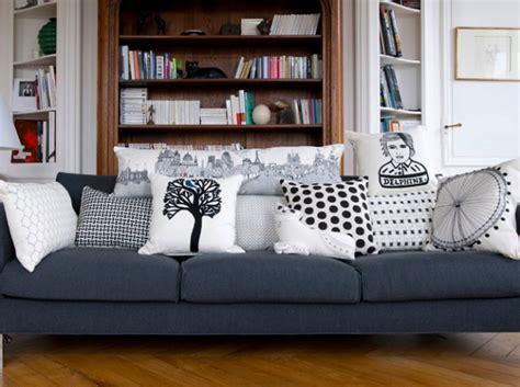 déco coussin canapé idée déco salon avec des coussins de canapé décor salon