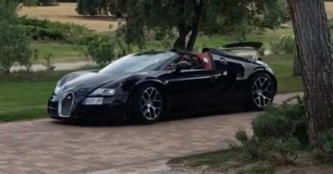 Portuguese forward cristiano ronaldo treated himself to a brand new bugatti after guiding juventus to yet another serie a title. Cristiano Ronaldo shows off stunning £1.7million Bugatti Veyron in Instagram video - Mirror Online