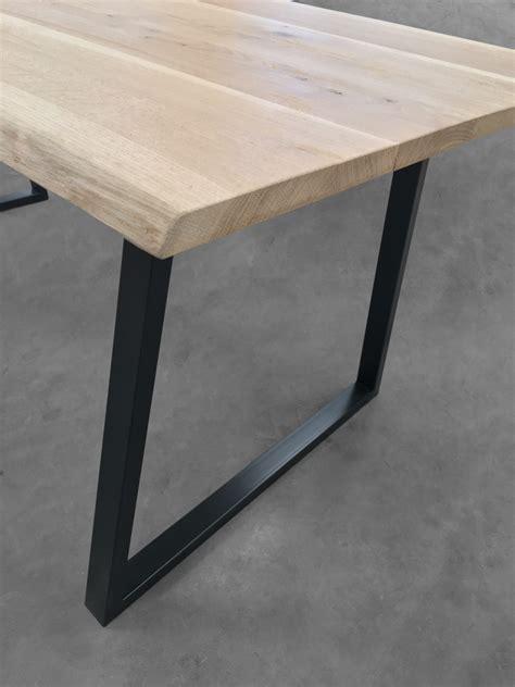 pied design de table haute et ilot en acier de couleur style loft
