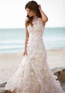 Lace beach wedding dress sang maestro for Beach lace wedding dresses