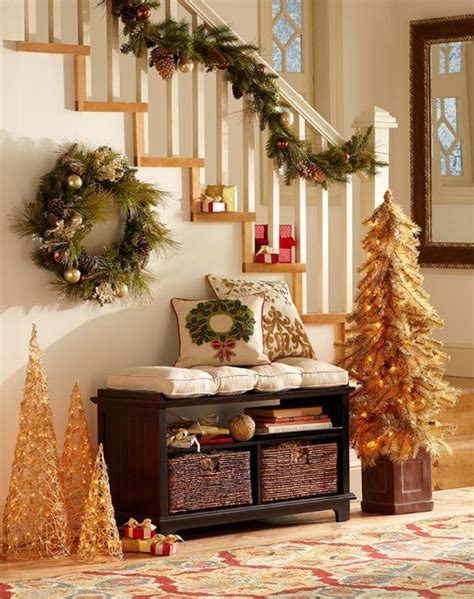 welcoming  cozy christmas entryway decor ideas