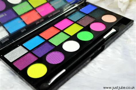 color revolution makeup makeup revolution colour chaos eyeshadow palette justjulie