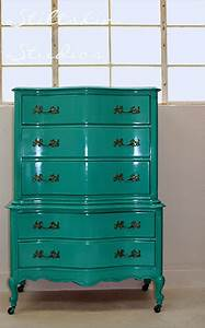 My friend used amy39s paint loved it amy howard lacquer for Paint lacquer furniture