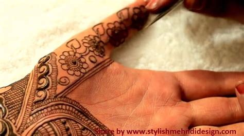easy simple negative space henna mehndi design