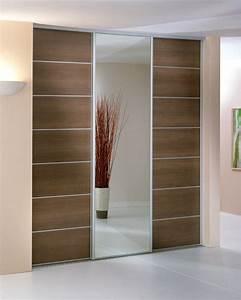 adapter une porte coulissante pour son placard With porte d entrée alu avec accessoire salle de bain luxe design