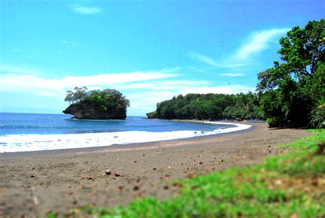 pantai cantik  pangandaran yuk piknik