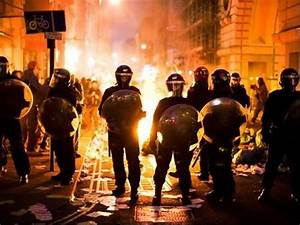 London Riot Cleanup - Photos: Top 10 world events that ...