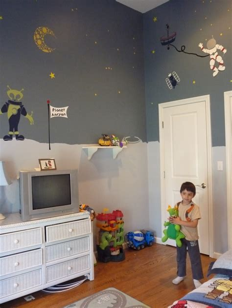 space decorations for room pretty high ceilings but better than black walls boys