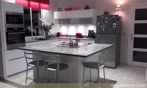 cuisine design surface cuisine en l céramique fonce cuisines raison