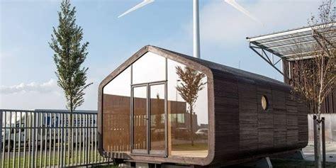 lego huis klein verplaatsbaar huis golfkarton en lego bouwstenen