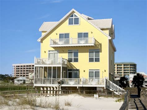 Large, Gulf-front Beach House With Communi...-vrbo