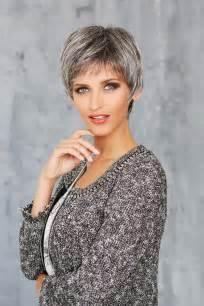coupe de cheveux courte pour femme coupe courte femme cheveux gris