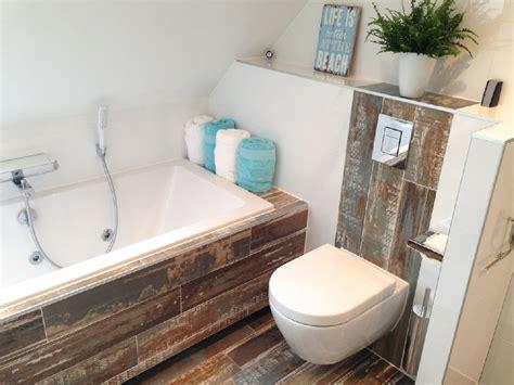 laminaat wand toilet badkamer tegels en vloeren