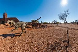 Family road trip: Unearthing dinosaur bones in Outback QLD