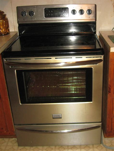 what is a kitchen range barbecue master frigidaire terrible awful no