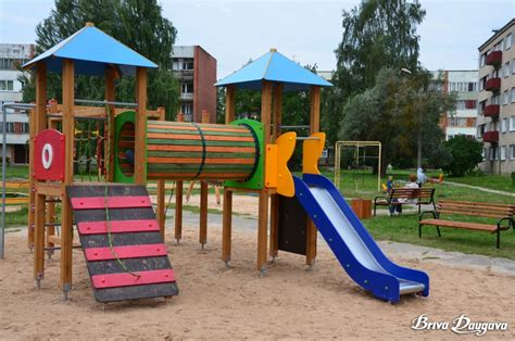 Uzsākta bērnu rotaļu laukumu atjaunošana un labiekārtošana ...