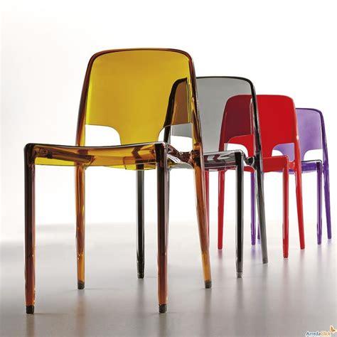 1000 id 233 es sur le th 232 me chaise plastique sur table de cuisine ronde charles eames