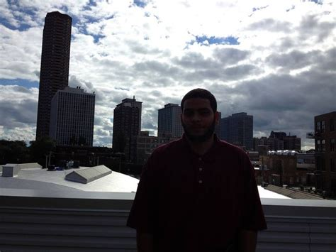 Frankie And The Chicago Skyline