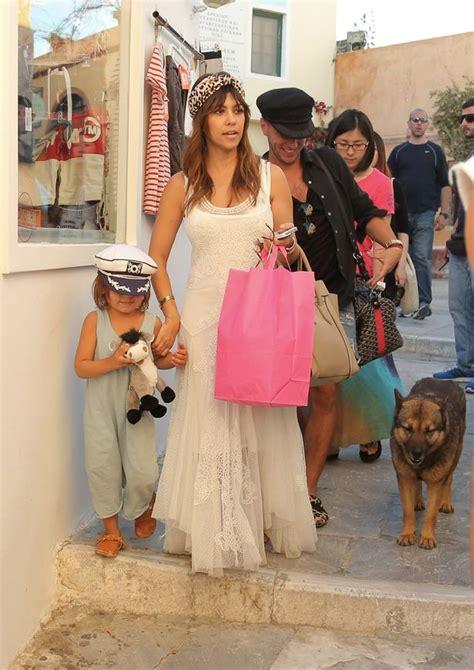 kourtney kardashian  mason  shopping  santorini
