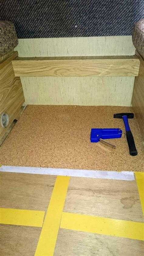 Verklebten Teppichboden Lösen by Verklebten Teppich Entfernen Teppichboden Entfernen Diese