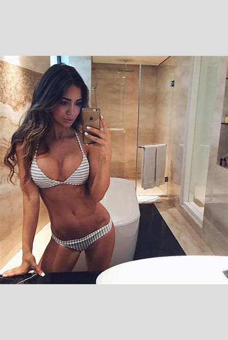 Pia Muehlenbeck Instagram gallery (25 Photos) : theCHIVE