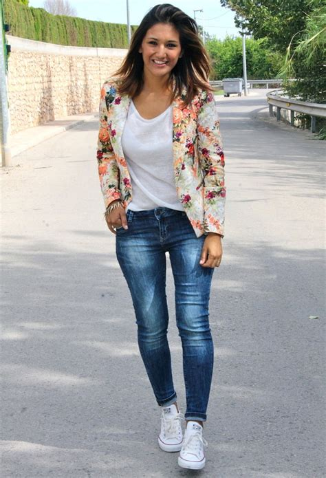 Floral Blazer Outfits for Womenu0026#39;s Wardrobe - Pretty Designs