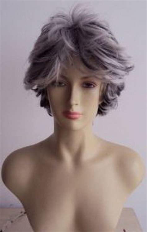 graue haare straehnchen
