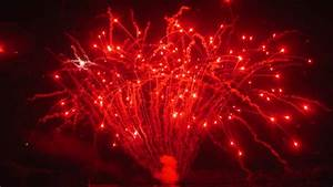 'Red Crossette Firework Effect' #EpicFireworks - YouTube