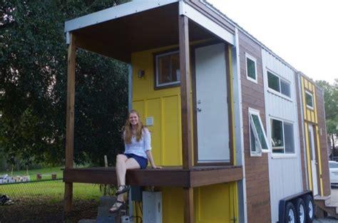 rv closet emily 39 s 24 39 tiny house on wheels