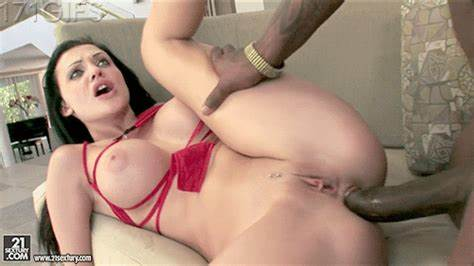 Katana Kombat Seduces And Pounded Handsome Cleaner