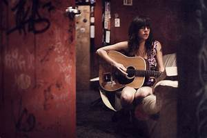 Girl with Guitar HD Wallpapers