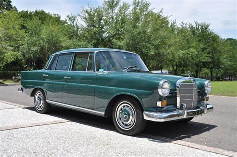 """1967 Mercedes Benz 200series W110 Chassis 230 """"heckflosse"""