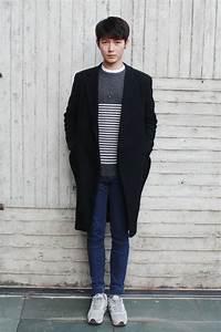 Simple look - oversize coat, striped sweater, skinny jeans ...