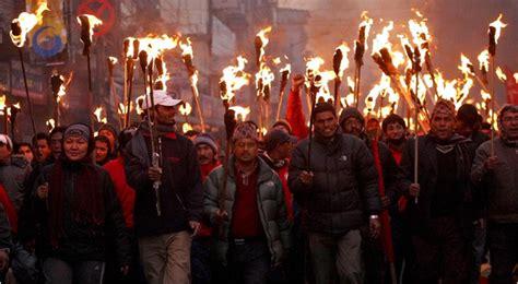nepalese police arrest   clash  maoists