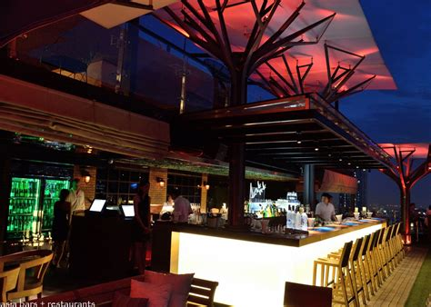 eleven rooftop bar restaurant bangkok asia