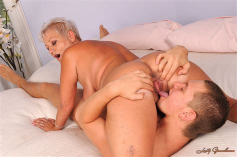 Good Looking Fuck Hungry Granny Cecily With Big Tits Has